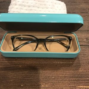 🤓🤓Tiffany & Co eye glasses 👓 & case.